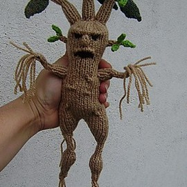 Knitted mandrake- angry little guy...