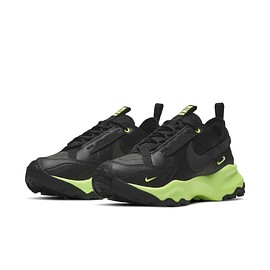 NIKE - TC7900 - Black/Volt?
