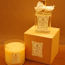 Balcony and Bed - Quatre Feuilles Candle