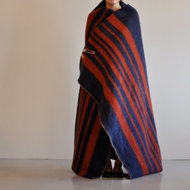 Horse Blanket Research - Blanket (navy x red)