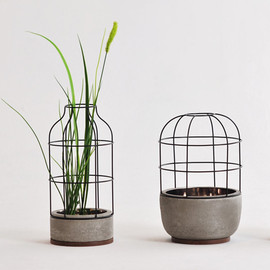 V4 vases by Seung Yong Sung