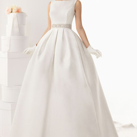 sleeveless ball gown bateau neck wedding dress