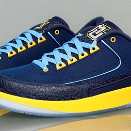 NIKE - Air Jordan 2 Low Marquette