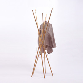 naruse inokuma architects - clothes poles