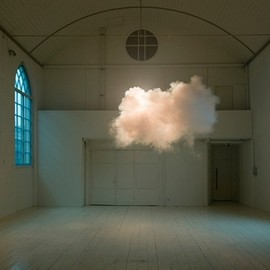 Berndnaut Smilde - cloud in a room