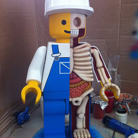 Jason Freeny - LEGO Anatomy Giant LEGO men dissected by Jason Freeny
