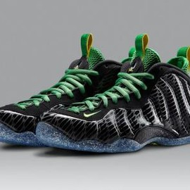 Nike - NIKE AIR FOAMPOSITE ONE PREMIUM UO QS BLACK/YELLOW STRIKE-APPLE GREEN-SILVER