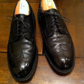 BLACK FLEECE BY Brooks Brothers -  Long Wing tip