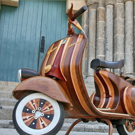 Vespa - Stylin' Hand-Crafted Wooden Vespa