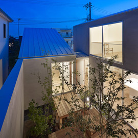 Tomohiro Hata Architect and Associates - House N by