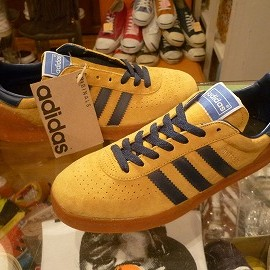 "adidas - 「<deadstock>'94 adidas MONTREAL gold/navy""made in CHINA"" size:25.5cm 5800yen」完売"