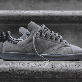 adidas - Stan Smith in Charcoal Suede