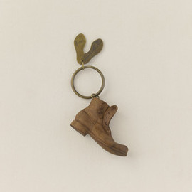 ARTS&SCIENCE - Button Boots Key Holder