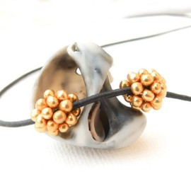 Luulla - Golden pine-cones. Beaded beads (2) small round Jewelry making supplies Holiday season