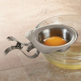 Danesco - Clip-On Egg Separator