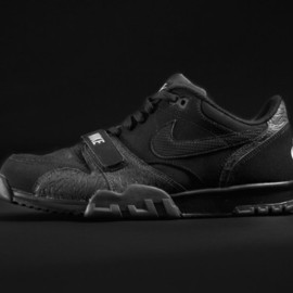 Nike - Air Trainer 1 Low black pack 1 for Foot Locker Europe Back To Black Collection