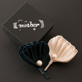 mother - PUCCA SHELL CORSAGE