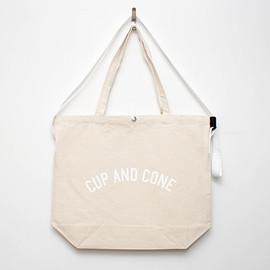 cup and cone - Arch Logo Jumbo Sacoche - Natural