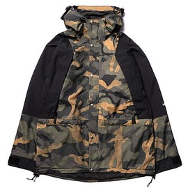 THE NORTH FACE - '94 Seasonal Retro Mountain Light Jacket - Burnt Olive Green/Waxed Camo