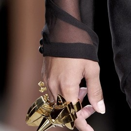 givenchy - gold knuckle ring