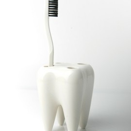 Propaganda - Tooth Ceramic Toothbrush Holder