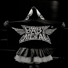 BABYMETAL - Your back is cool!