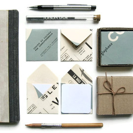 Mariana y Paula - Mini Stationery Set: 12 White Cards with 12 Vintage Paper Envelopes