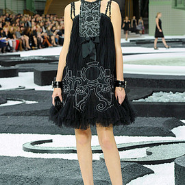 Chanel - Ready-to-Wear - 2011 Spring-Summer