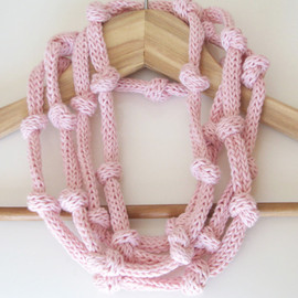 Luulla - eco knitted necklace - pink - Ready to ship