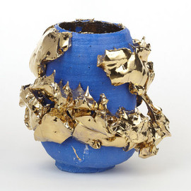 TAKURO KUWATA - Blue-slipped gold Kairagi Shino bowl