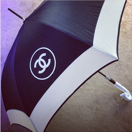 CHANEL - umbrella.