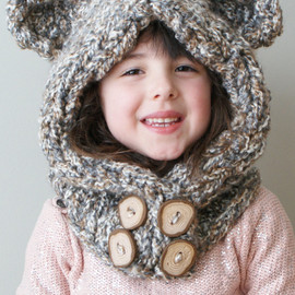 ErinBlacksDesigns - Knitting PATTERN - Chunky Bear Hood