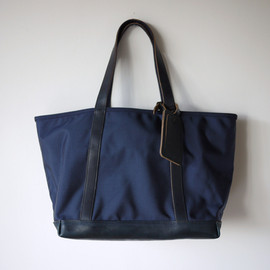 ARTS&CRAFTS - Nylon Basic Zip Top Tote