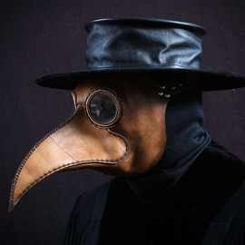 Tom Banwell - Plague Doctor's mask Maximus in brownish tan leather