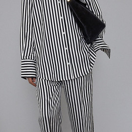 CELINE - BLACK & WHITE SHINY FLUID STRIPE PYJAMA