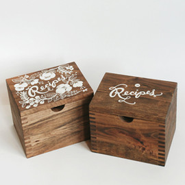 Rifle Paper Co. - Heirloom Recipe Card Box - Currently in stock!!!