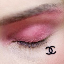 CHANEL - The Chanel beauty spot