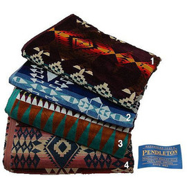 PENDLETON Oversized Jacquard Towel - Diamond Desert 02