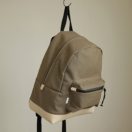 kiruna - DAY PACK AUT M - kyoto #oak×cow leather/kyoto raffitex nylon