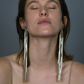 Saskia Diez - GOLD LONG LEATHER EARRINGS