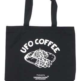 "UNDERCOVER - UNDERCOVER(アンダーカバー)MADSTORE""TOKYOSKYTREETOWNSOLAMACHI""EXCLUSIVEUFOCOFFEETOTEBAGL BLACK277-002040-011"