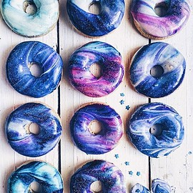 Glittering Galaxy-Inspired Donuts Are a Delicious Way to Enjoy the Stars