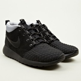 Nike - Men's Black Roshe Run Sneakerboots