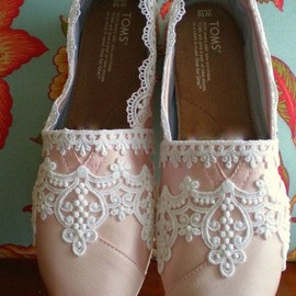 TOMS - pink/lace
