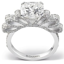 CHANEL - Diamond Chanel bow wedding ring