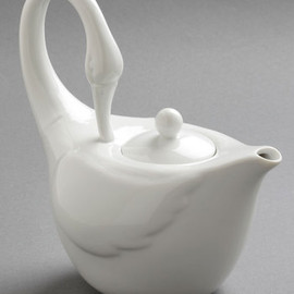 Swans Upon a Time Tea Pot