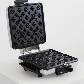 Louis Vuitton, Andrew Lewicki - Louis Vuitton waffle maker