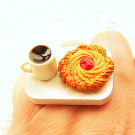 SouZouCreations - Kawaii Food Ring Coffee Danish  Miniature Food Jewelry