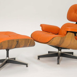 "Herman Miller - Eames Lounge Chair and Ottoman in ""Hermes"" orange"