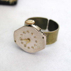 HevVinDesigns - Steampunk Ring